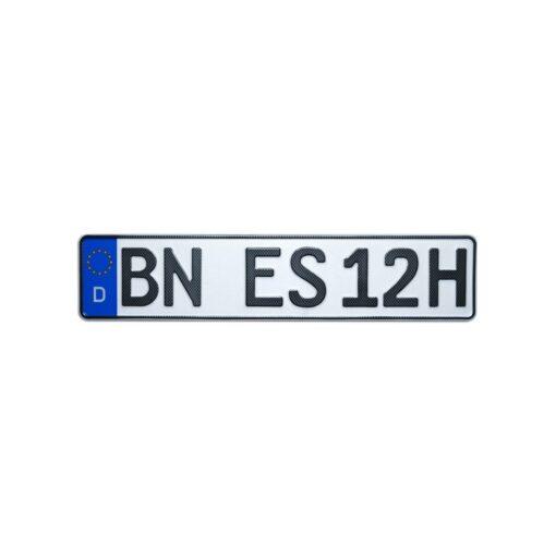 Historisches Autokennzeichen in Carbon-Optik